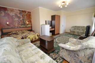Люкс в отеле Якорь в городе-курорте Анапа - фото
