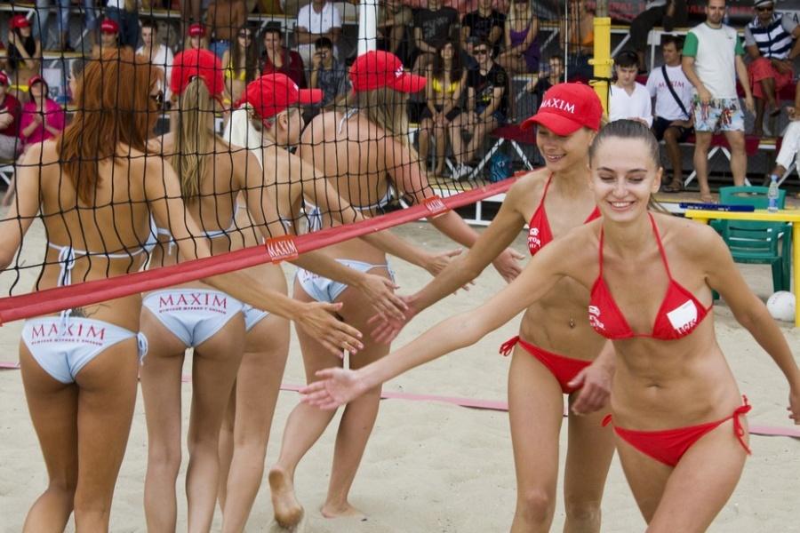 волейболистки в сауне